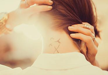 La depilación láser y los tatuajes: asesórate con expertos.